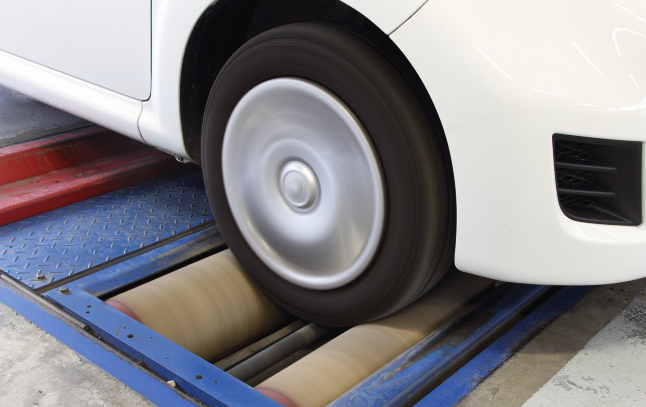 Les points de contrôle technique automobile : le freinage